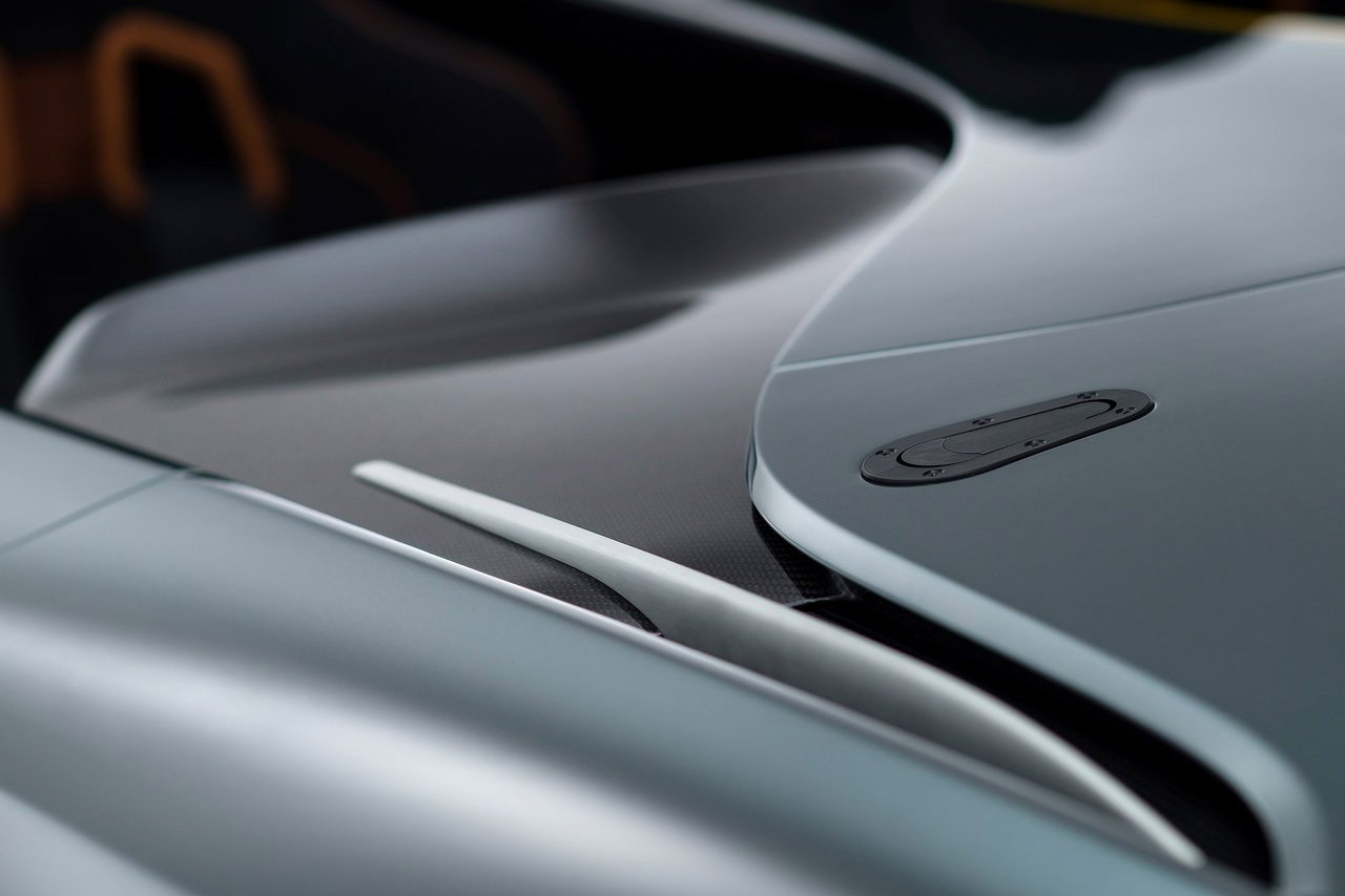 Aston_Martin-CC100_Speedster_Concept_13