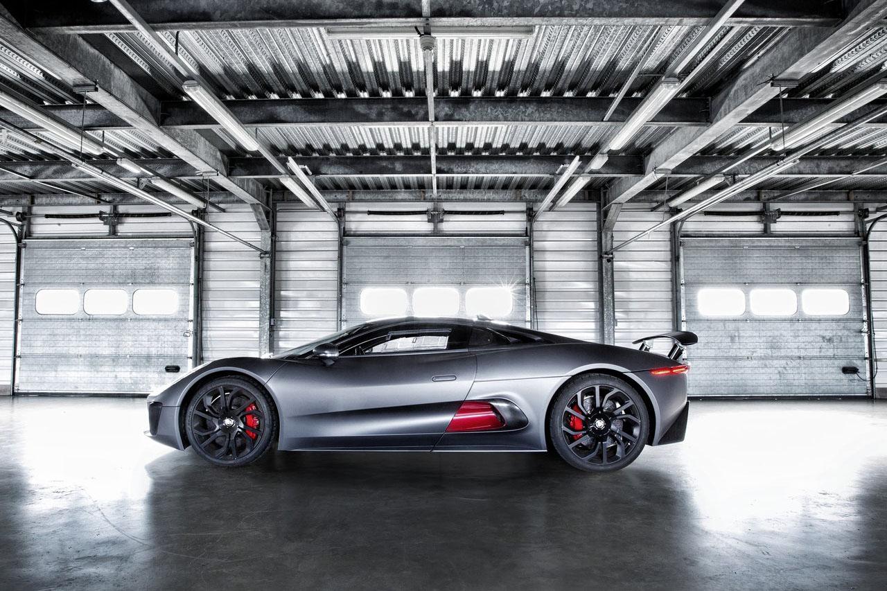 Jaguar-C-X75_Concept_2013_1280x960_wallpaper_03