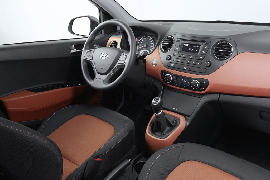 New Generation i10 interior (2)