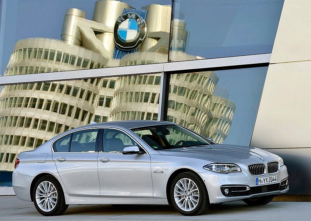 BMW-5-Series_2014_1024x768_wallpaper_02