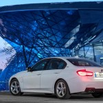 BMW-330e_2016_1024x768_wallpaper_1d