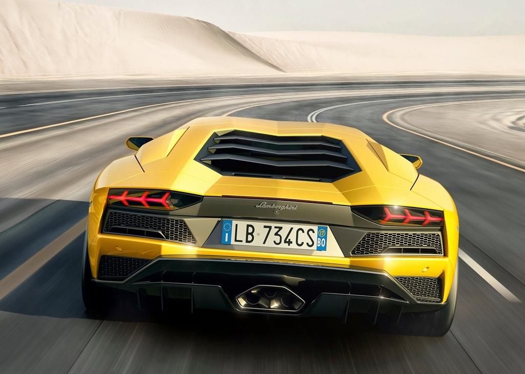 Lamborghini-Aventador_S-2017-1280-0c