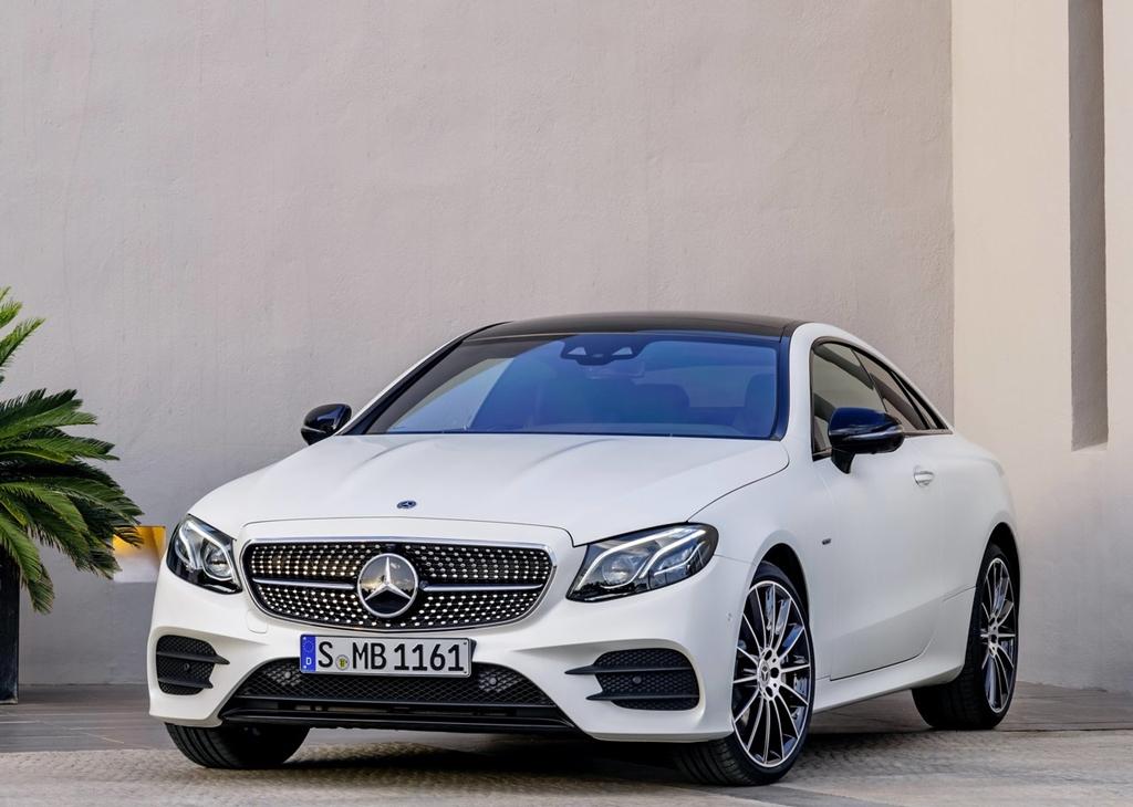 Mercedes-Benz-E-Class_Coupe-2017-1280-08