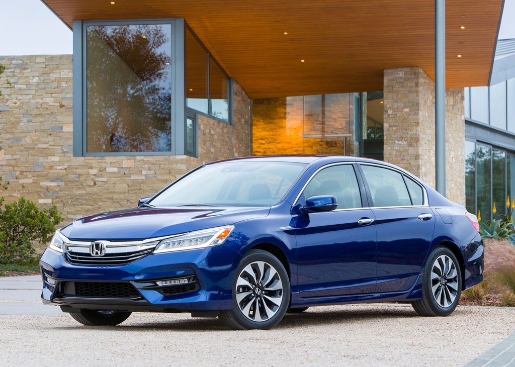 Honda-Accord_Hybrid-2017-1280-01