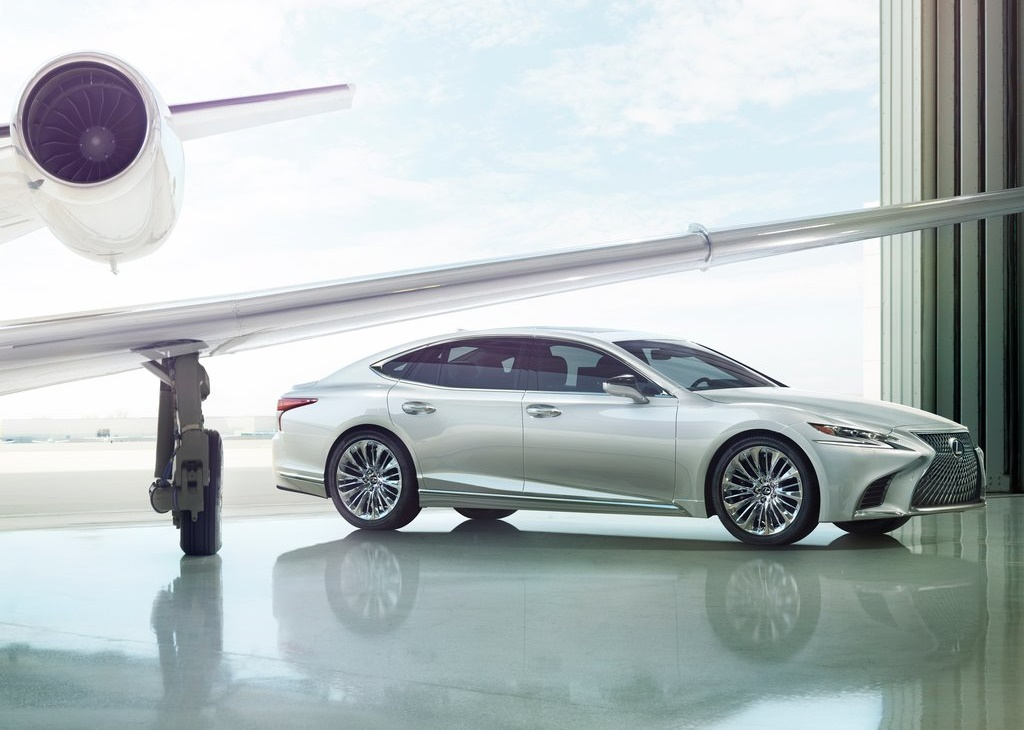 Lexus-LS_500-2018-1024-03