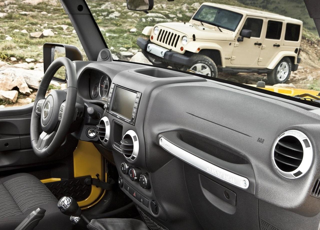 Jeep-Wrangler-2011-1280-1b