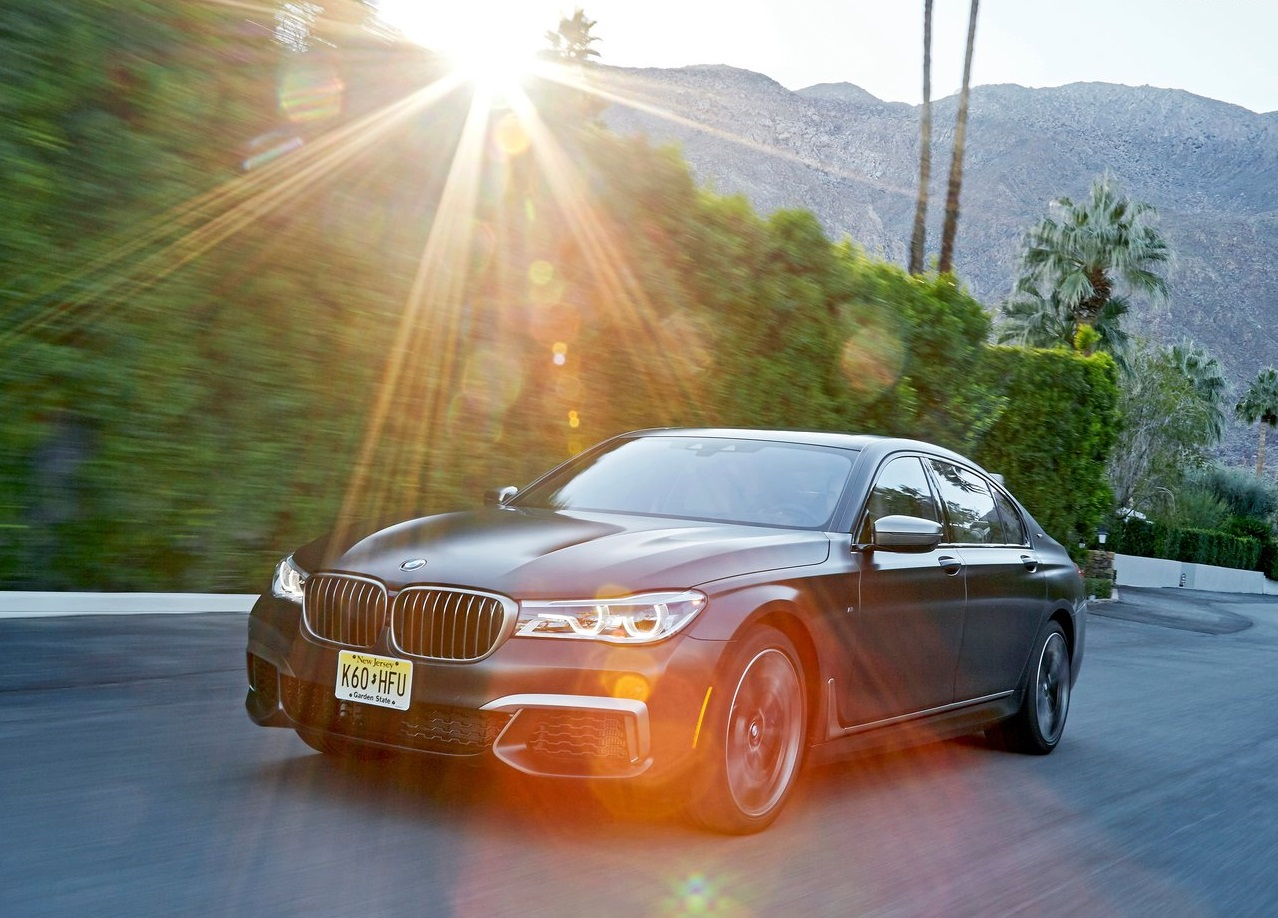 BMW-M760Li_xDrive-2017-1280-3c