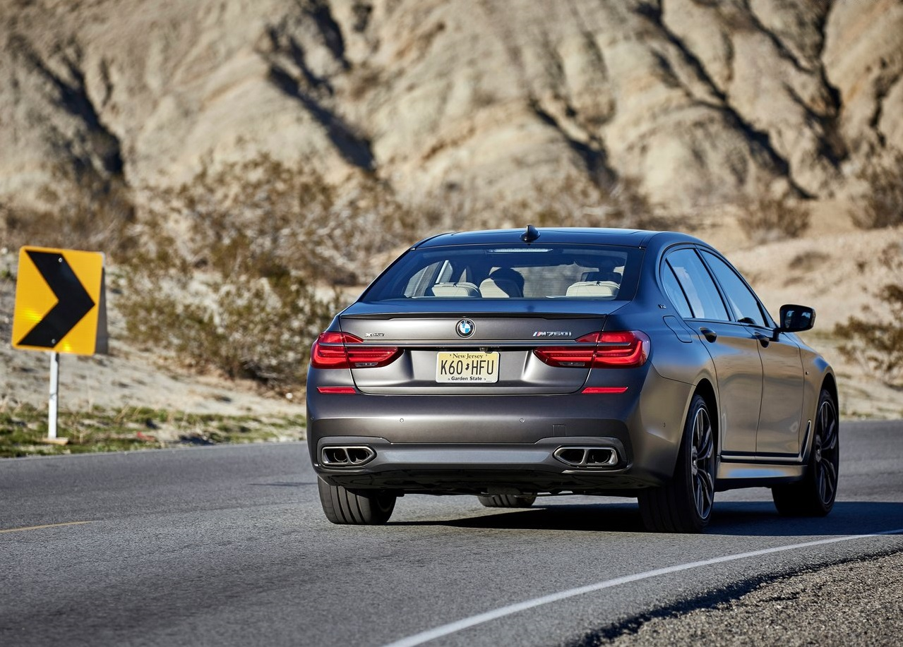 BMW-M760Li_xDrive-2017-1280-62