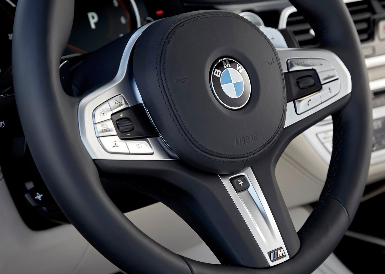BMW-M760Li_xDrive-2017-1280-9f