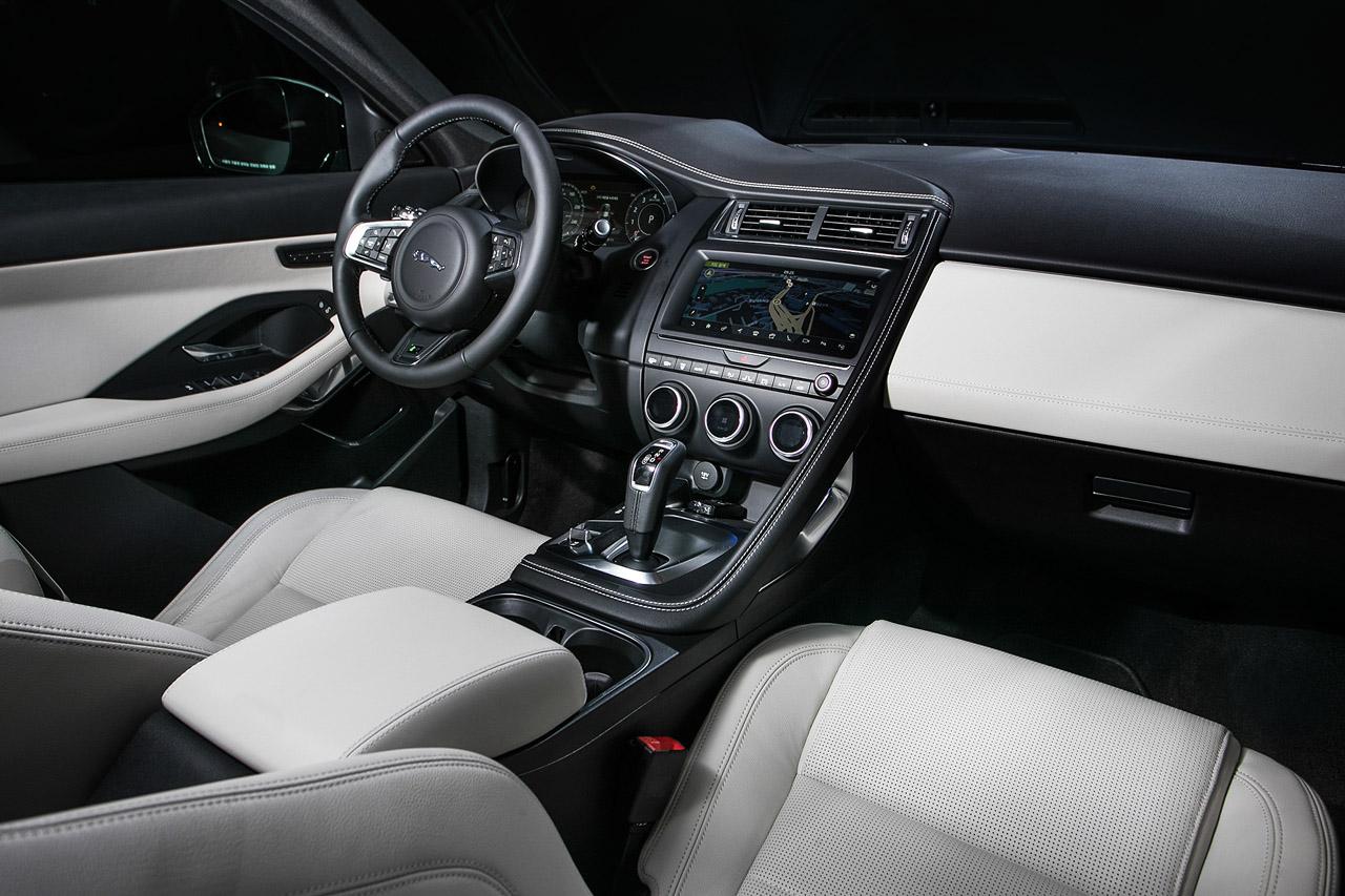 보도자료_재규어, 최초의 컴팩트 퍼포먼스 SUV E-PACE 출시 4