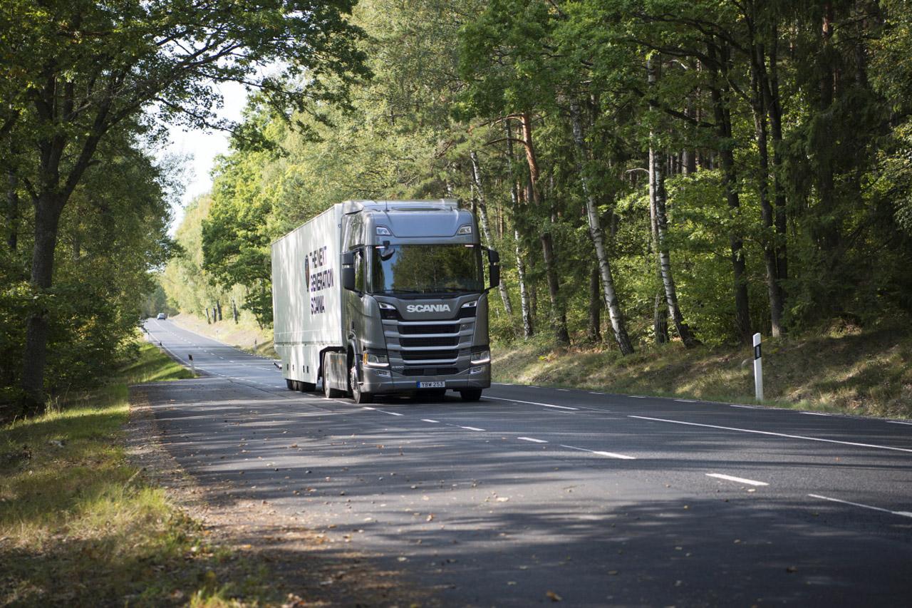 [사진자료2]_유럽의 권위있는 '그린 트럭상 (Green Truck Award)'을 2년 연속 수상한 '올 뉴 스카니아' R500 모델