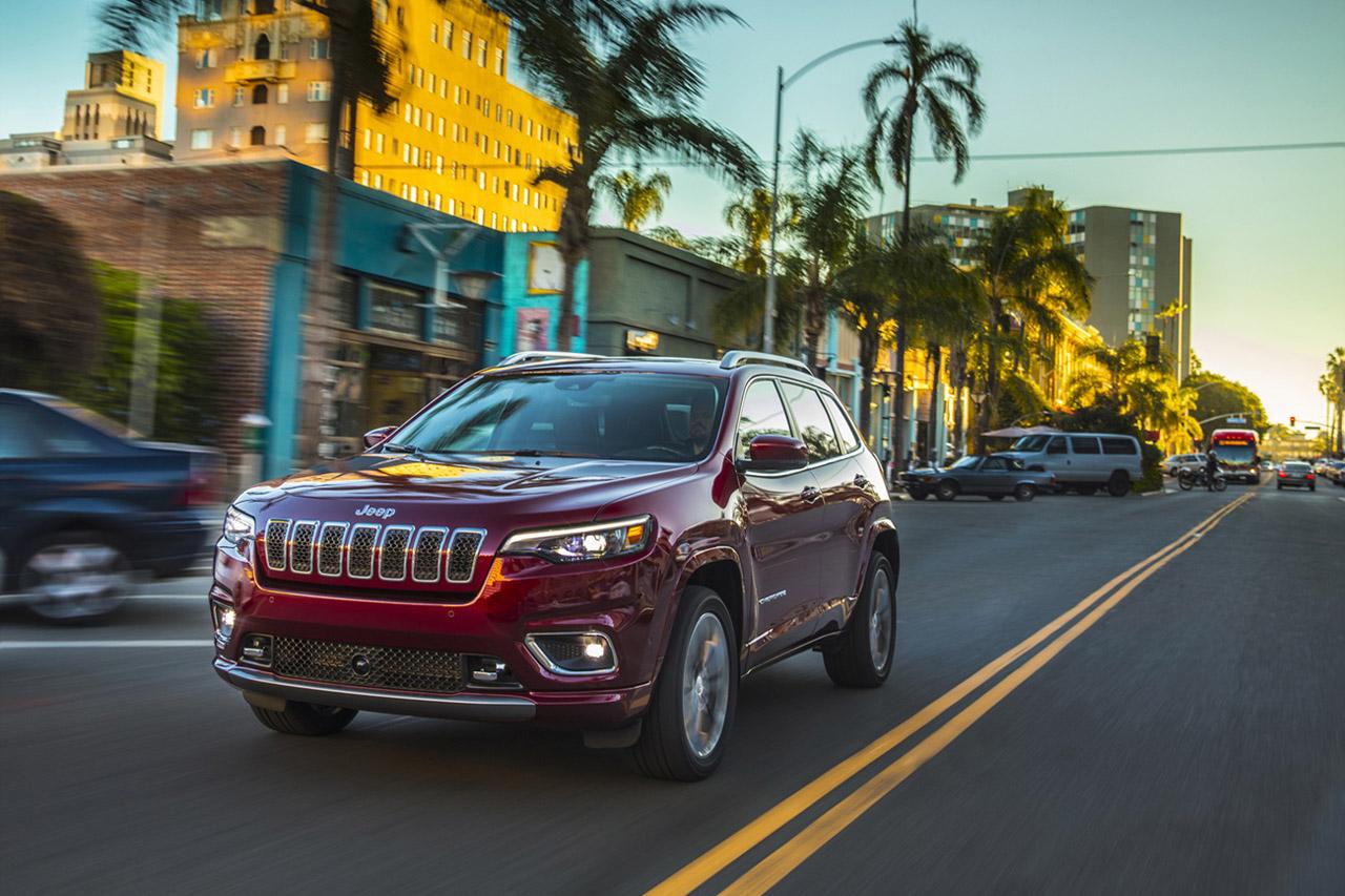 2019 Jeep® Cherokee Overland
