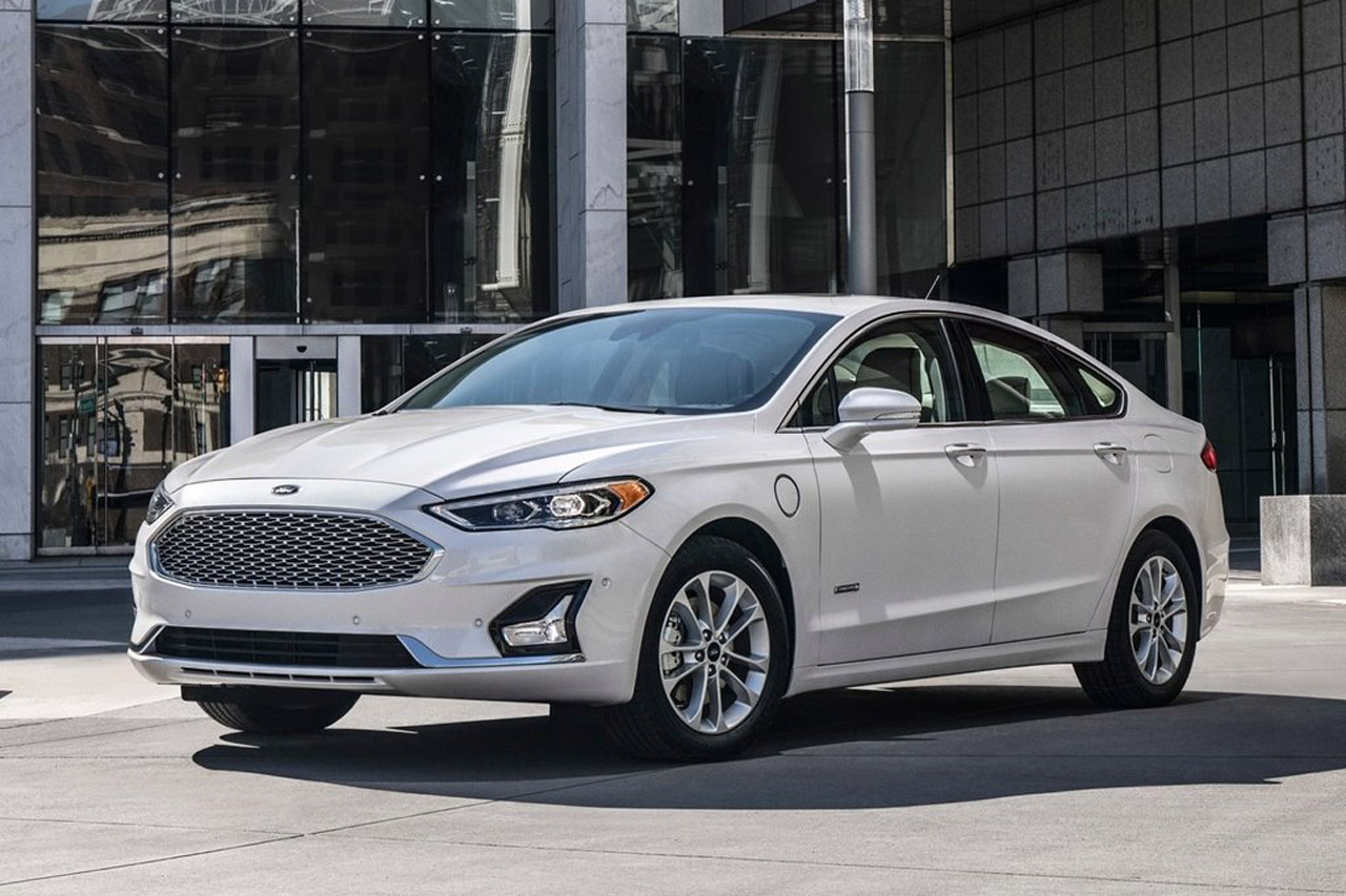Ford-Fusion-2019-1280-01