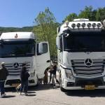 하얀 트럭과 청년들, 캠퍼스에서 만나다