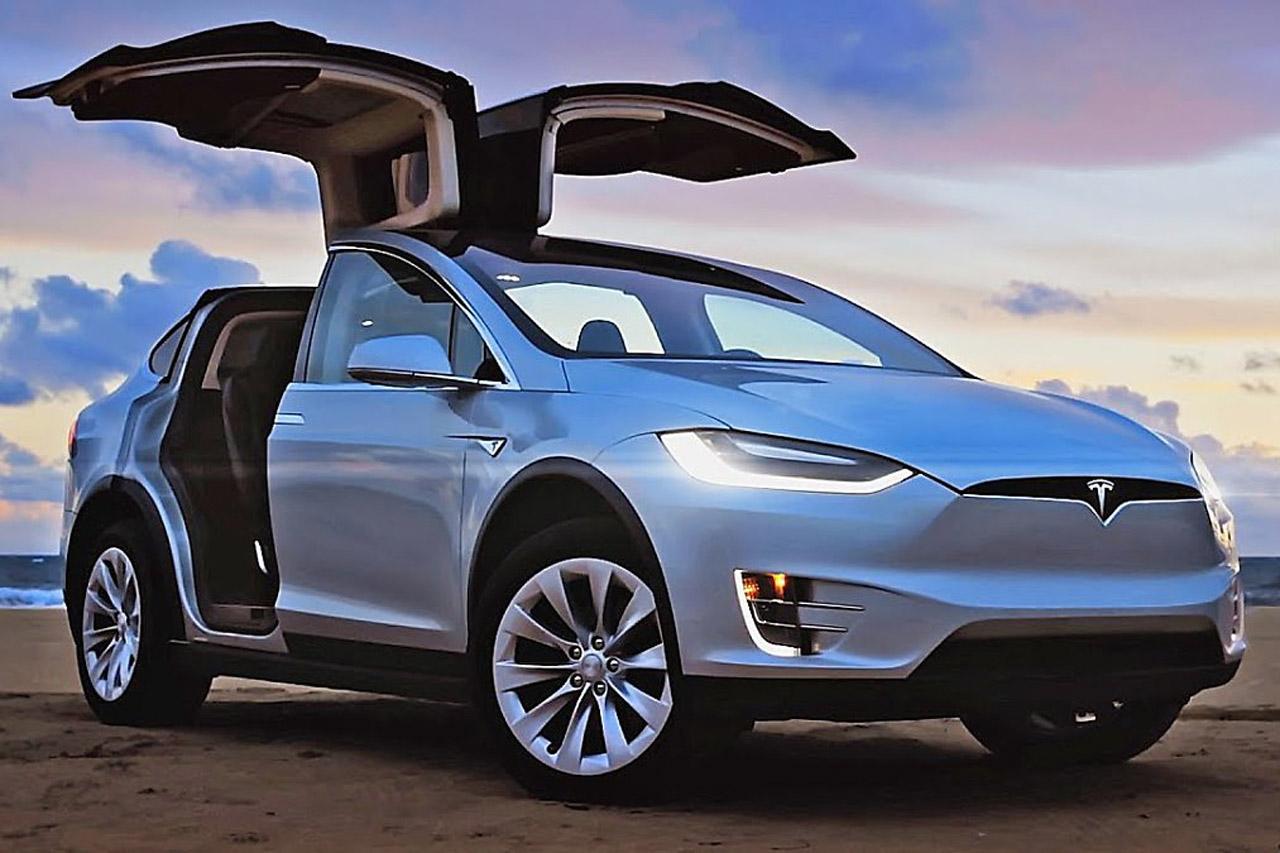 Tesla-Model-X-Silver
