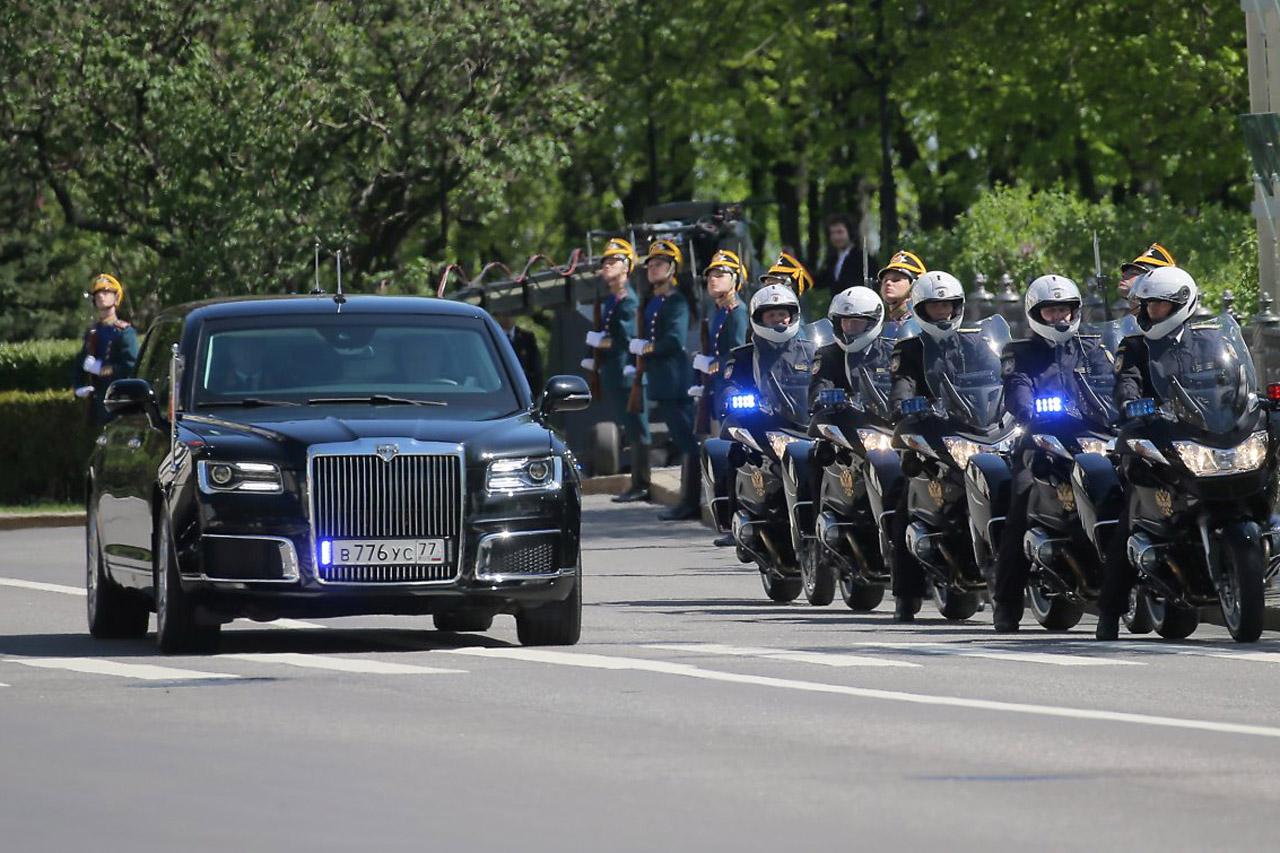 russia-putin-limousine-1_(1)