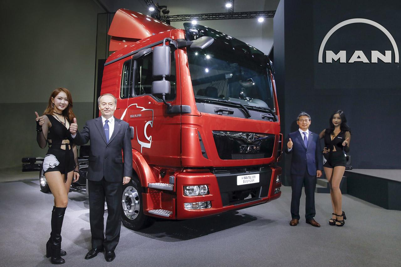 [사진 2] 만트럭버스코리아, 2018 부산 국제모터쇼서 아시아 최초 TGL 선보여