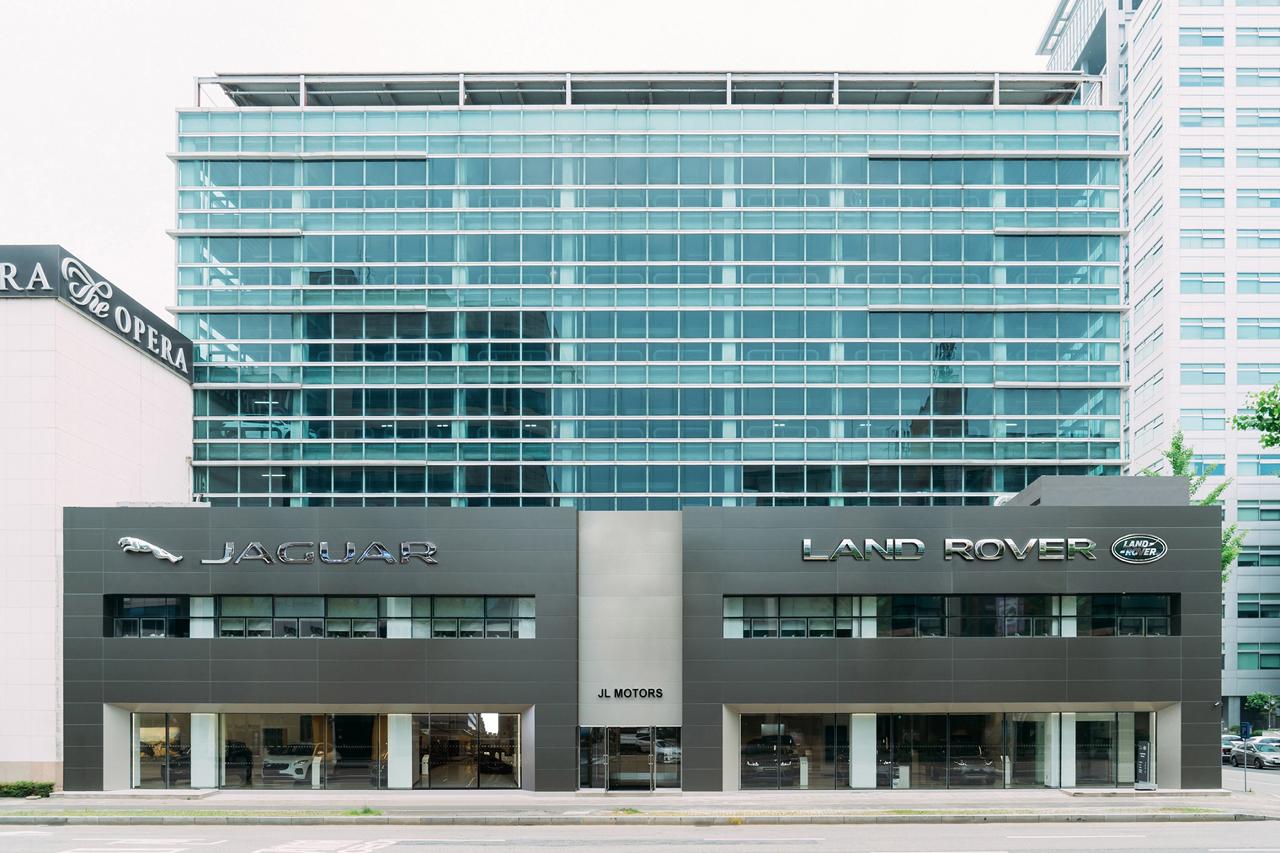 보도사진_재규어랜드로버코리아, 대전 전시장 및 서비스센터 확장 이전
