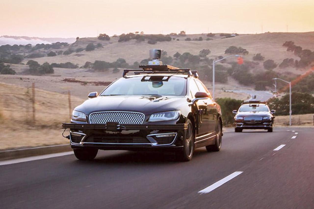 aurora-innovation-self-driving-autonomous-car-826x551