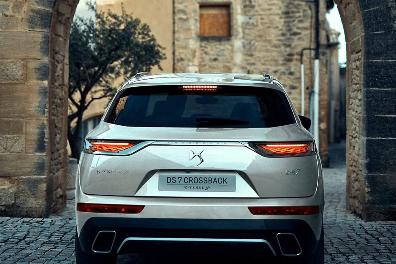 DS-7_Crossback_E-Tense_4x4_3