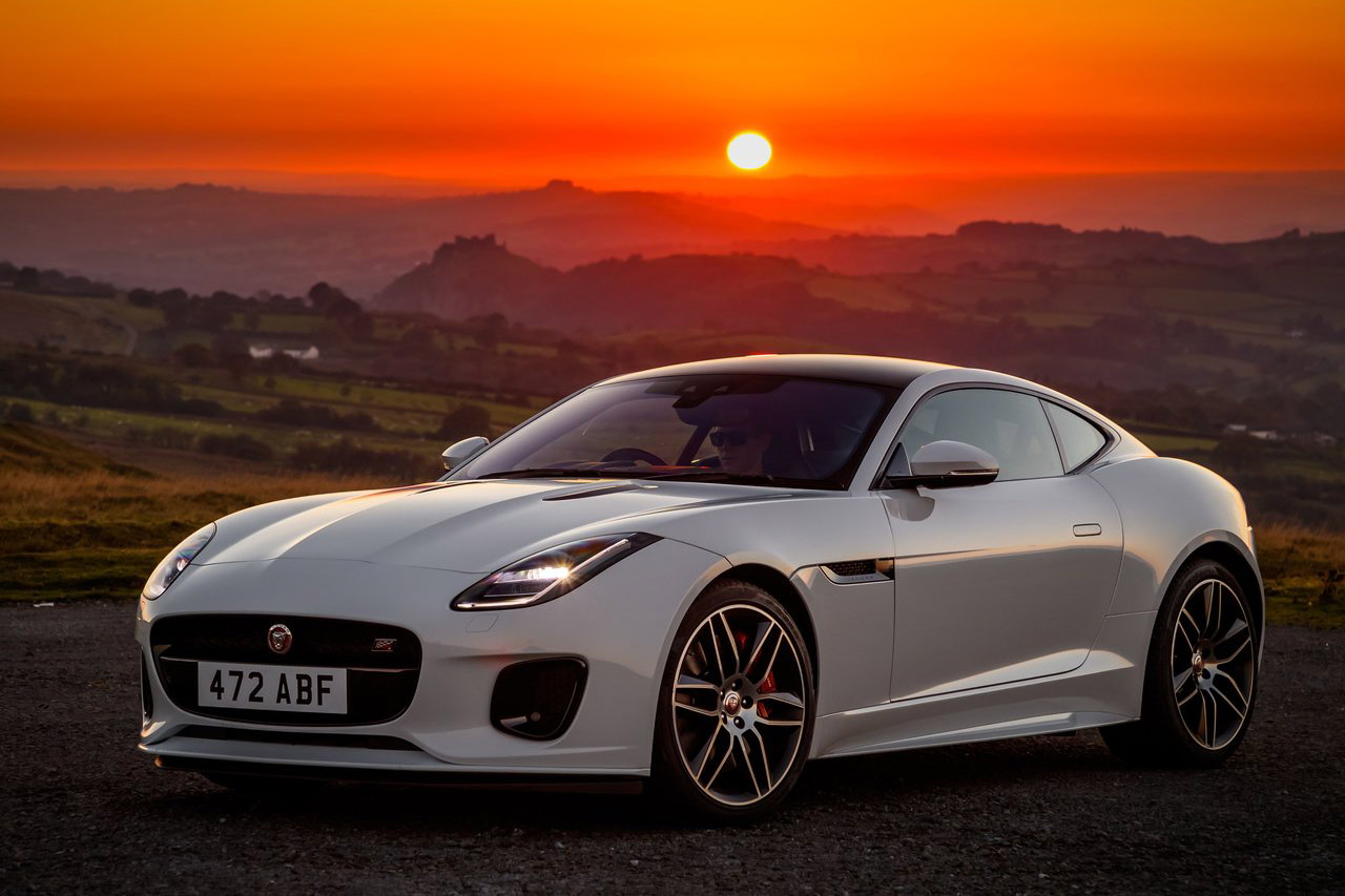 Jaguar-F-Type_Chequered_Flag_Edition-2019-1280-01
