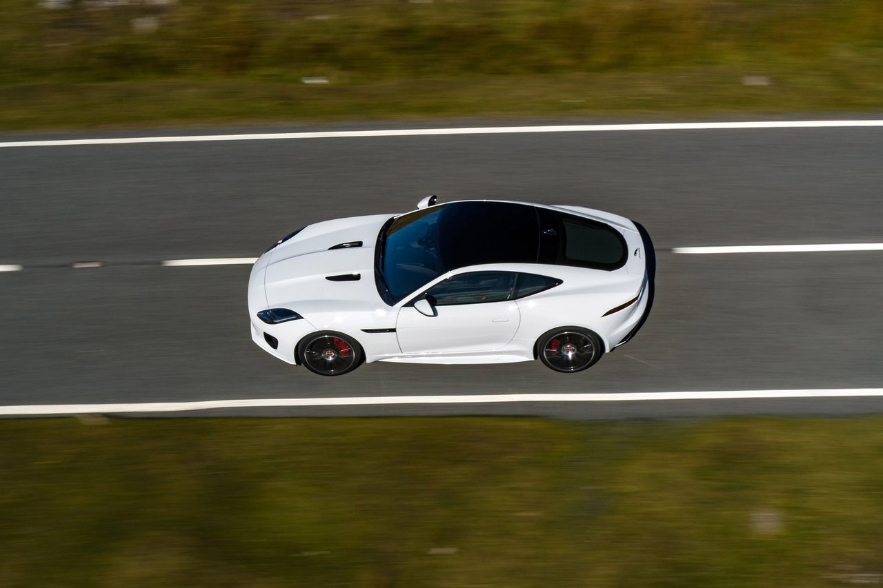 Jaguar-F-Type_Chequered_Flag_Edition-2019-1280-05