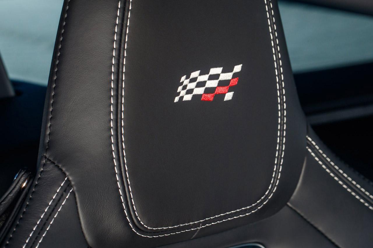Jaguar-F-Type_Chequered_Flag_Edition-2019-1280-0c