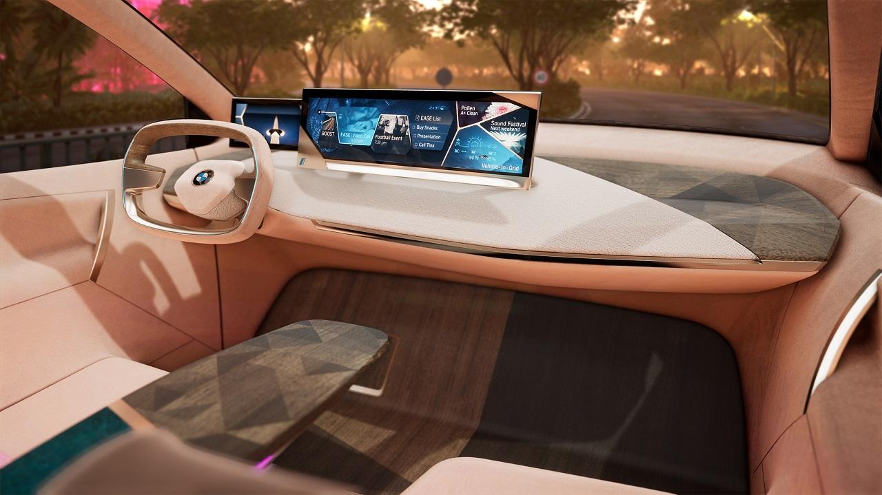 사진-CES 2019 BMW 가상현실 시운전 시연 (1)
