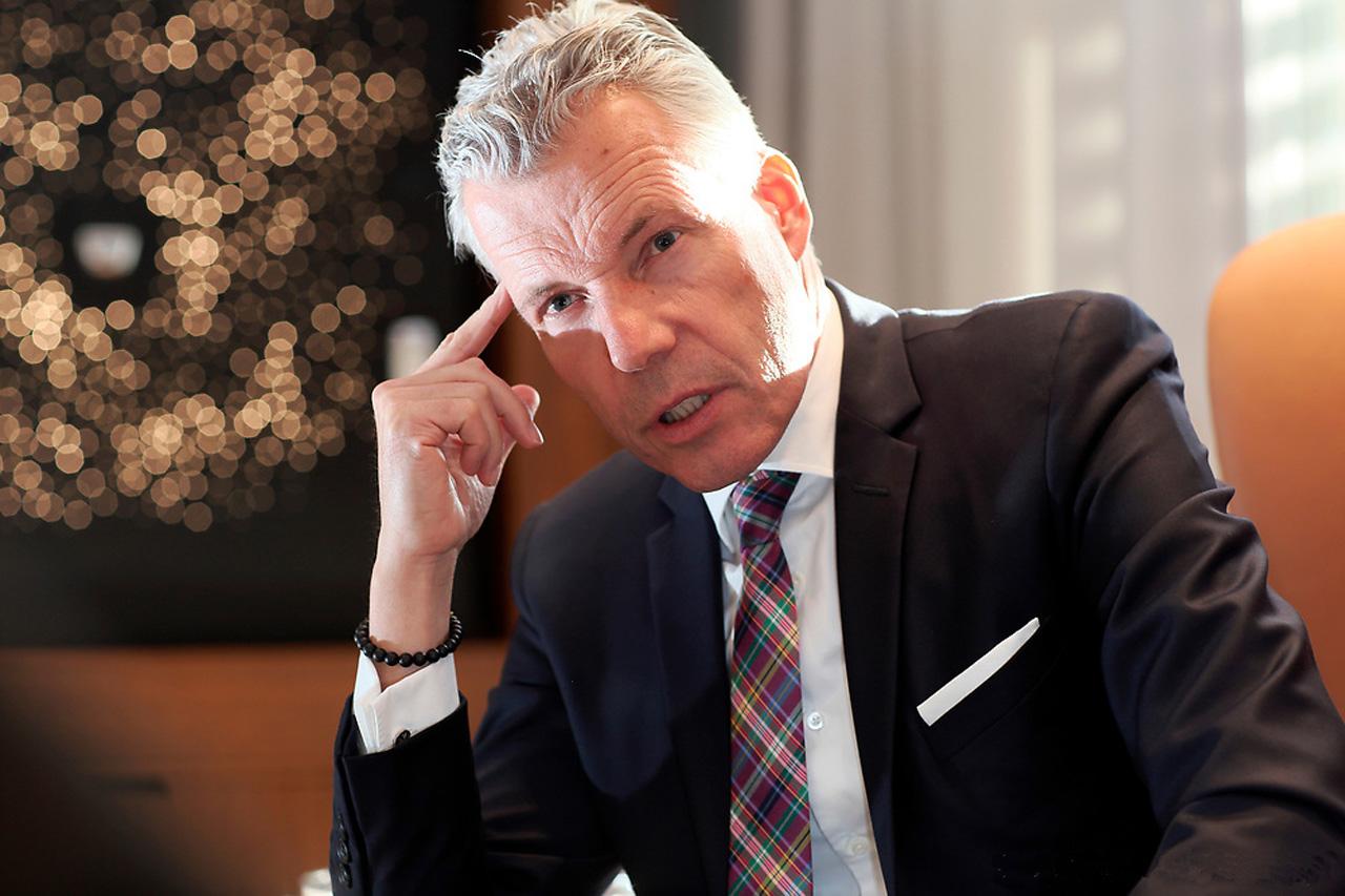 ROLLS ROYCE CEO Torsten Müller-Ötvös