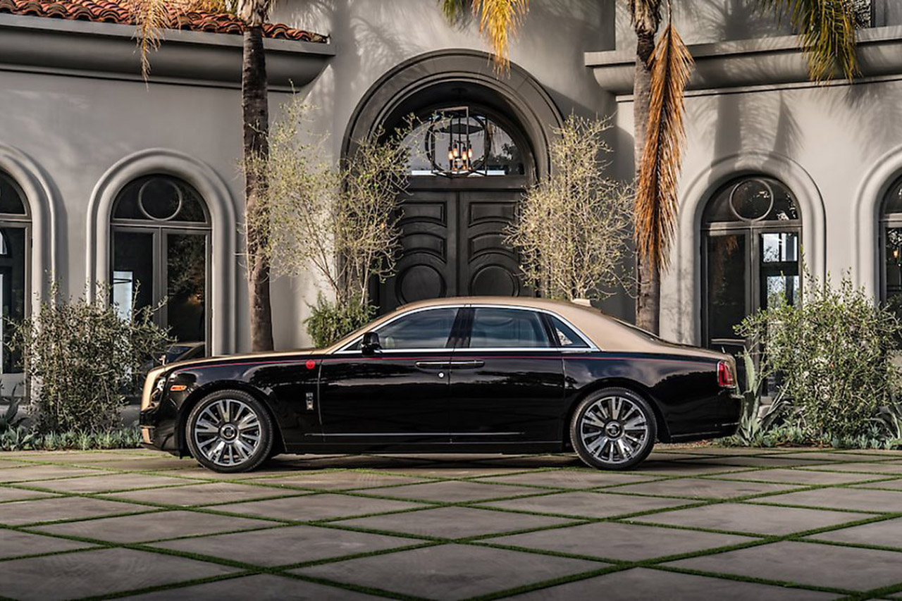 LNY-Rolls-Royce-Year-of-the-Pig-Side