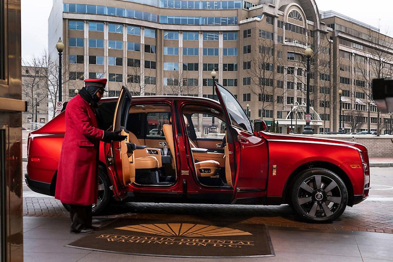 Mandarian-Oriental-Rolls-Royce-Cullinan-Doors