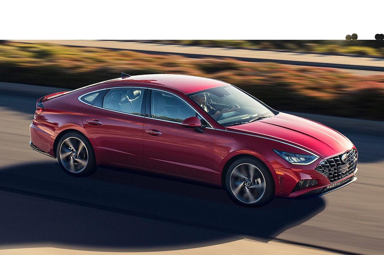 2020-Hyundai-Sonata-in-motion