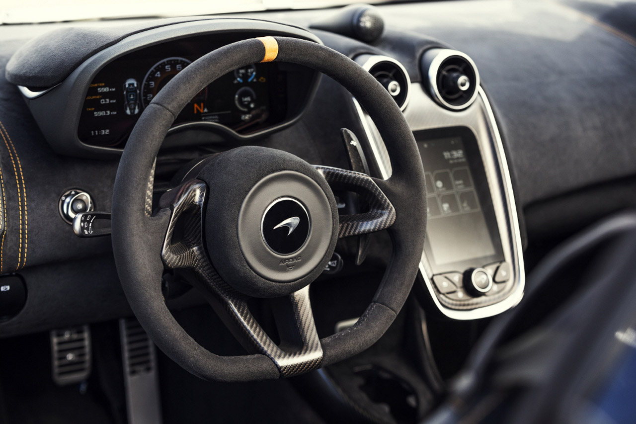 McLaren_600LT_Spider_Interior