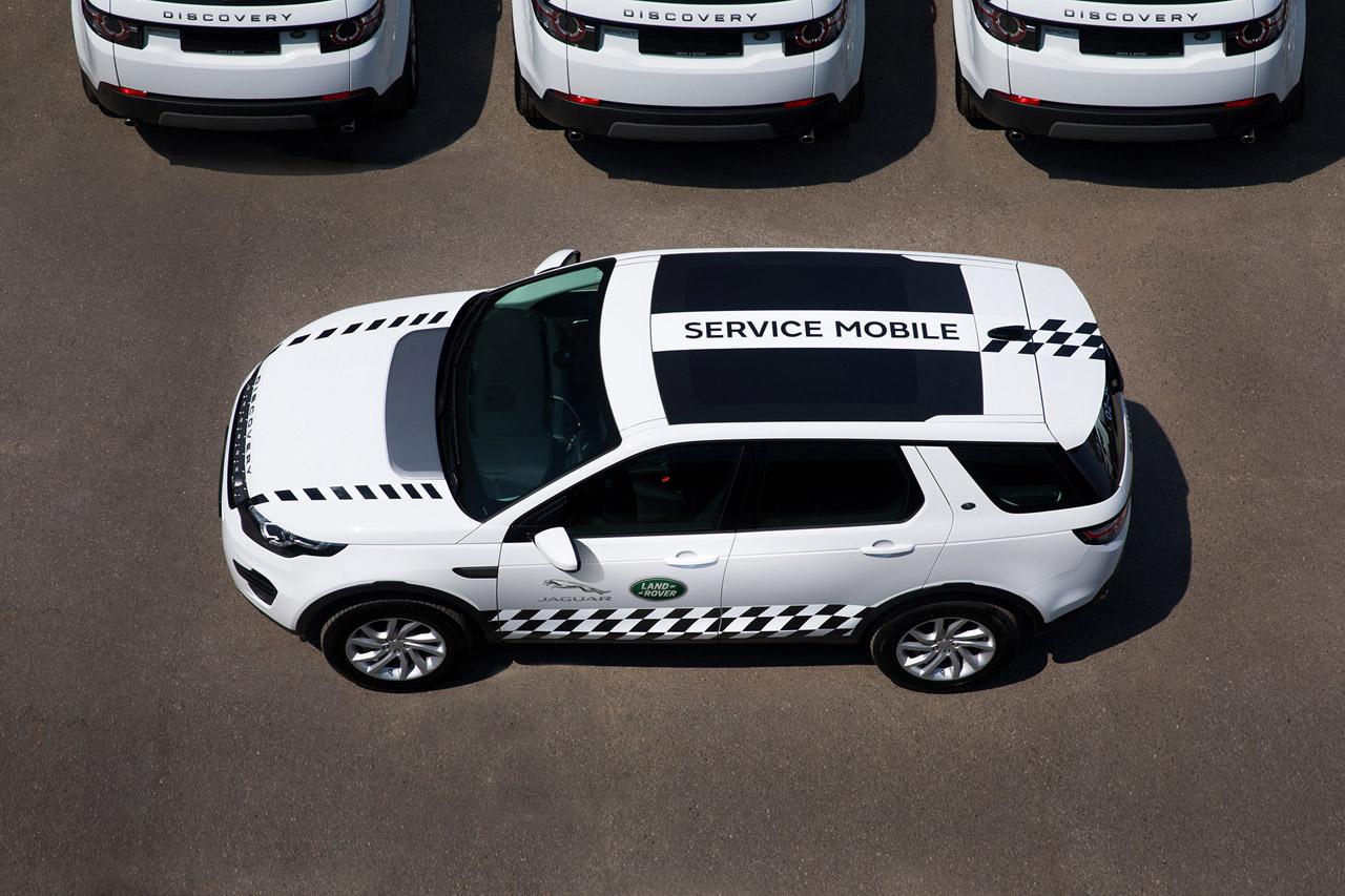 보도사진_재규어랜드로버코리아, 공인 테크니션이 직접 출동하는 '서비스 모바일' 실시 (3)