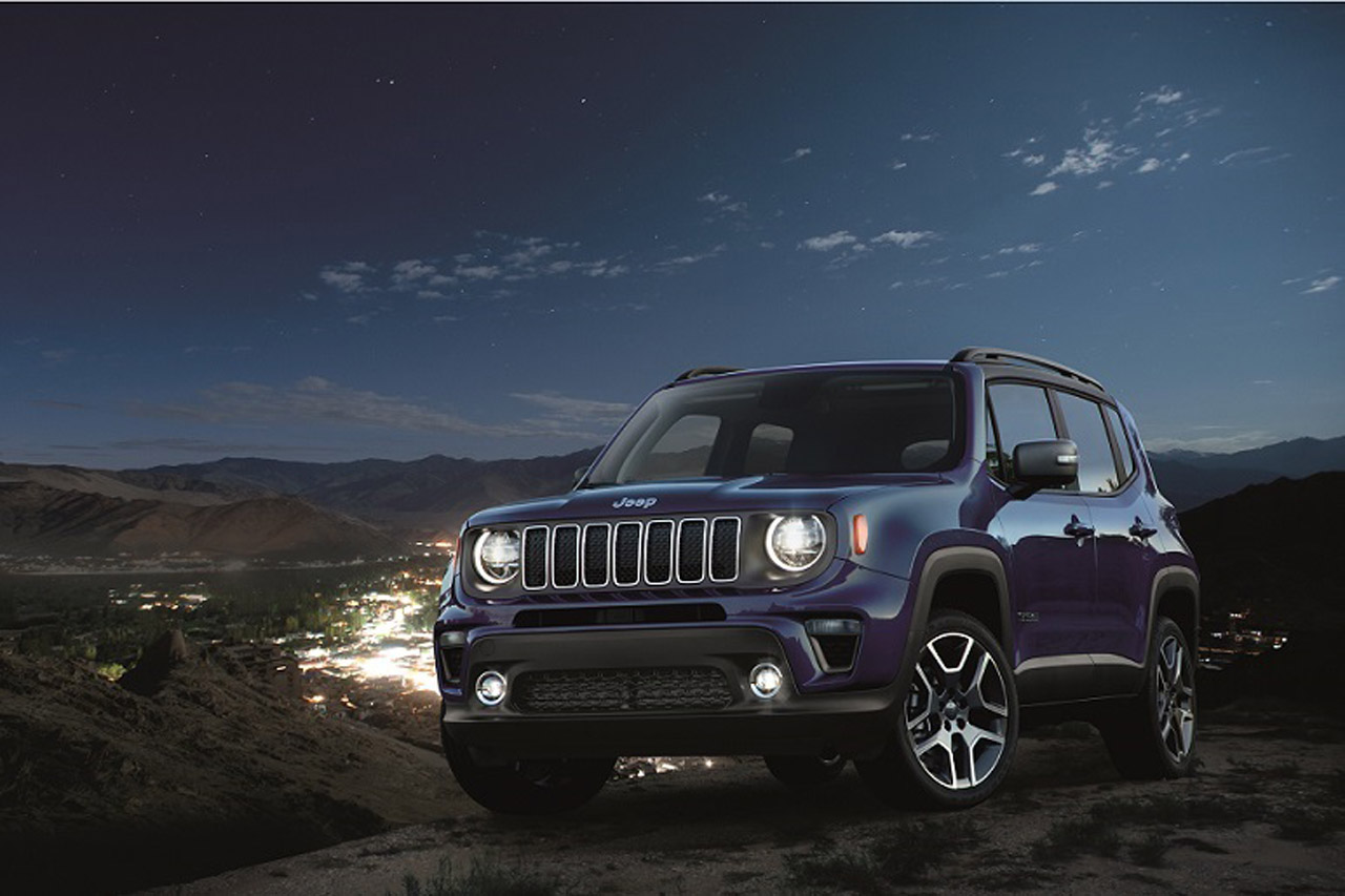 2019 Renegade Limited in Jetset Blue, parked on city overlook.