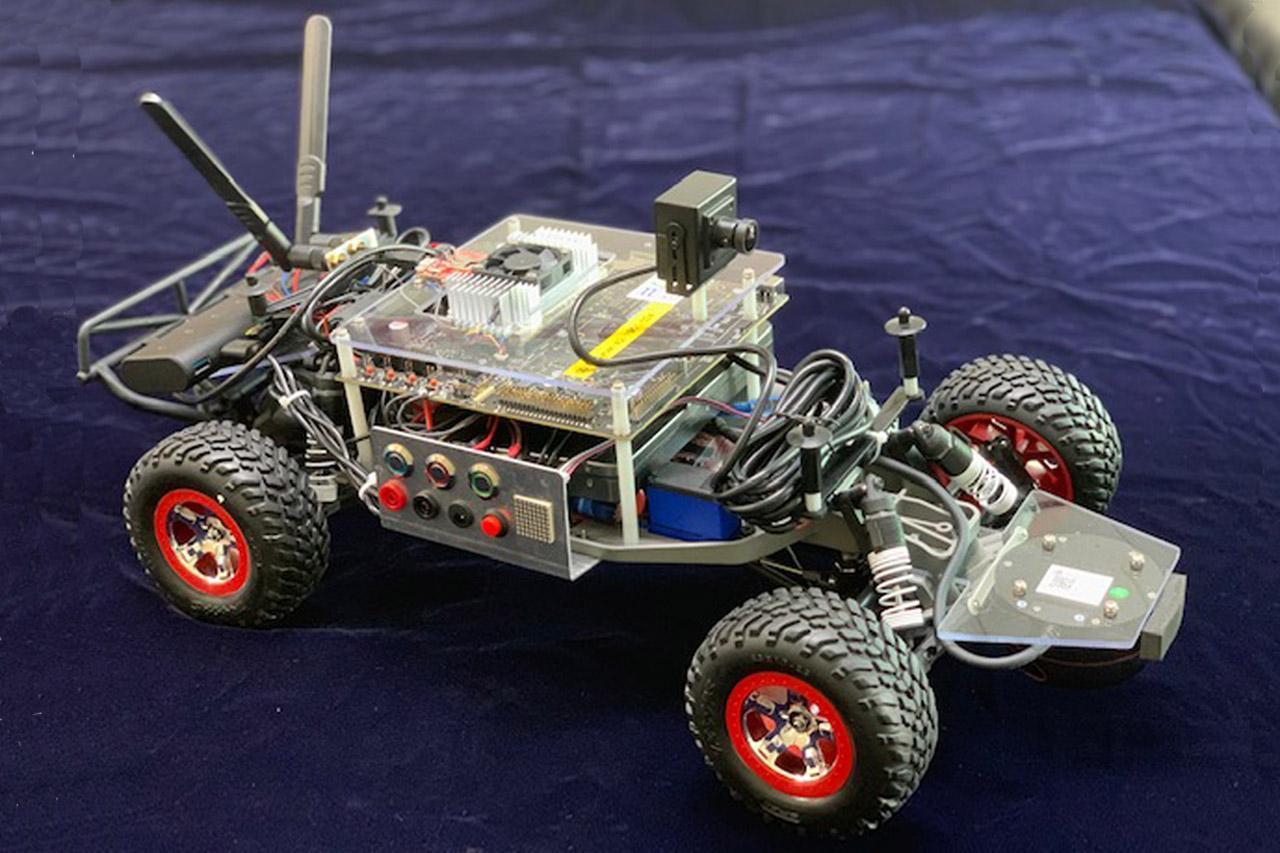 사진자료3_한컴MDS의 자율주행 모형차