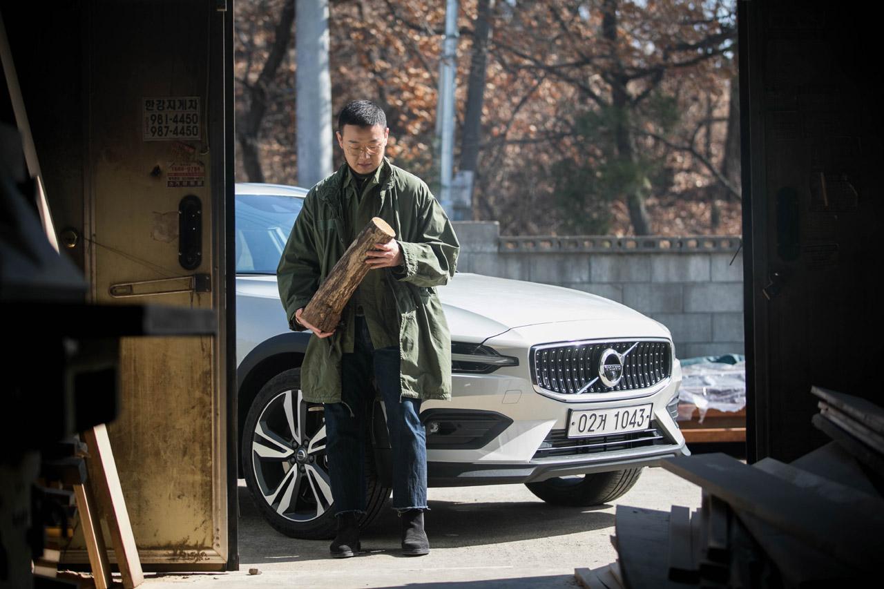 사진자료_ 볼보자동차, 신형 크로스컨트리(V60) 소셜 미디어 캠페인 영상_ 이광호 (오브제 디자이너)