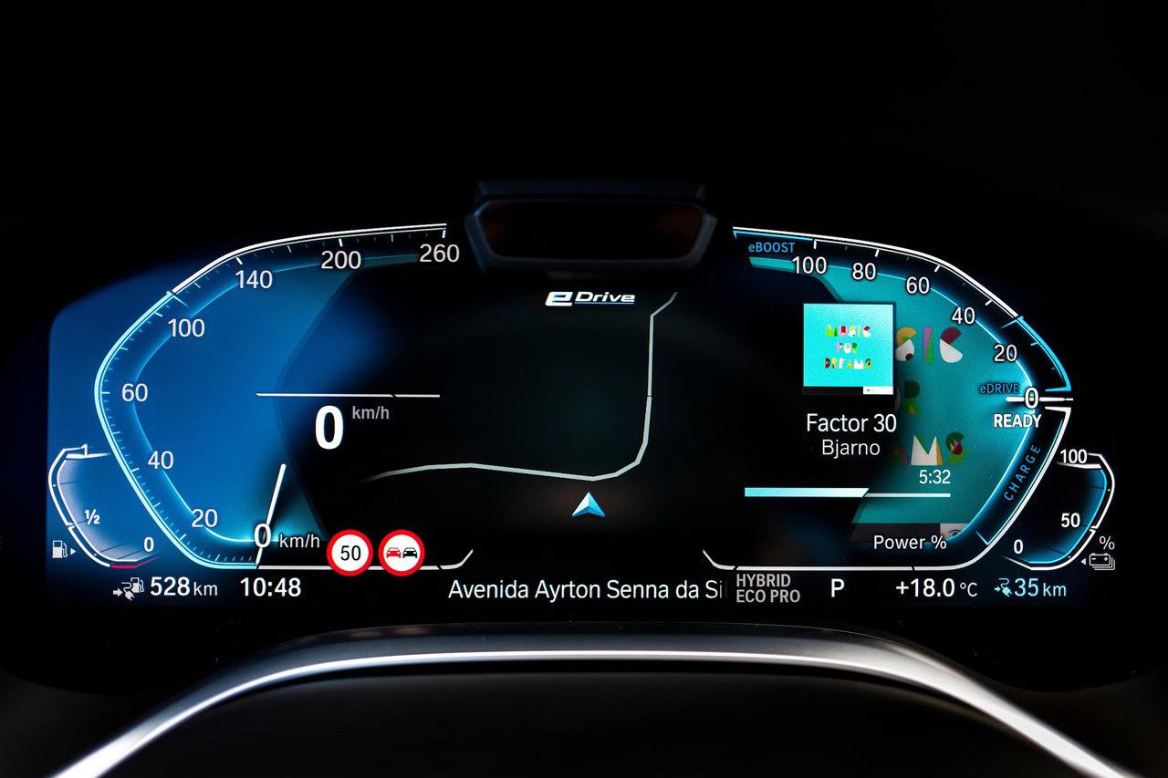 BMW-745Le-2020-1280-55