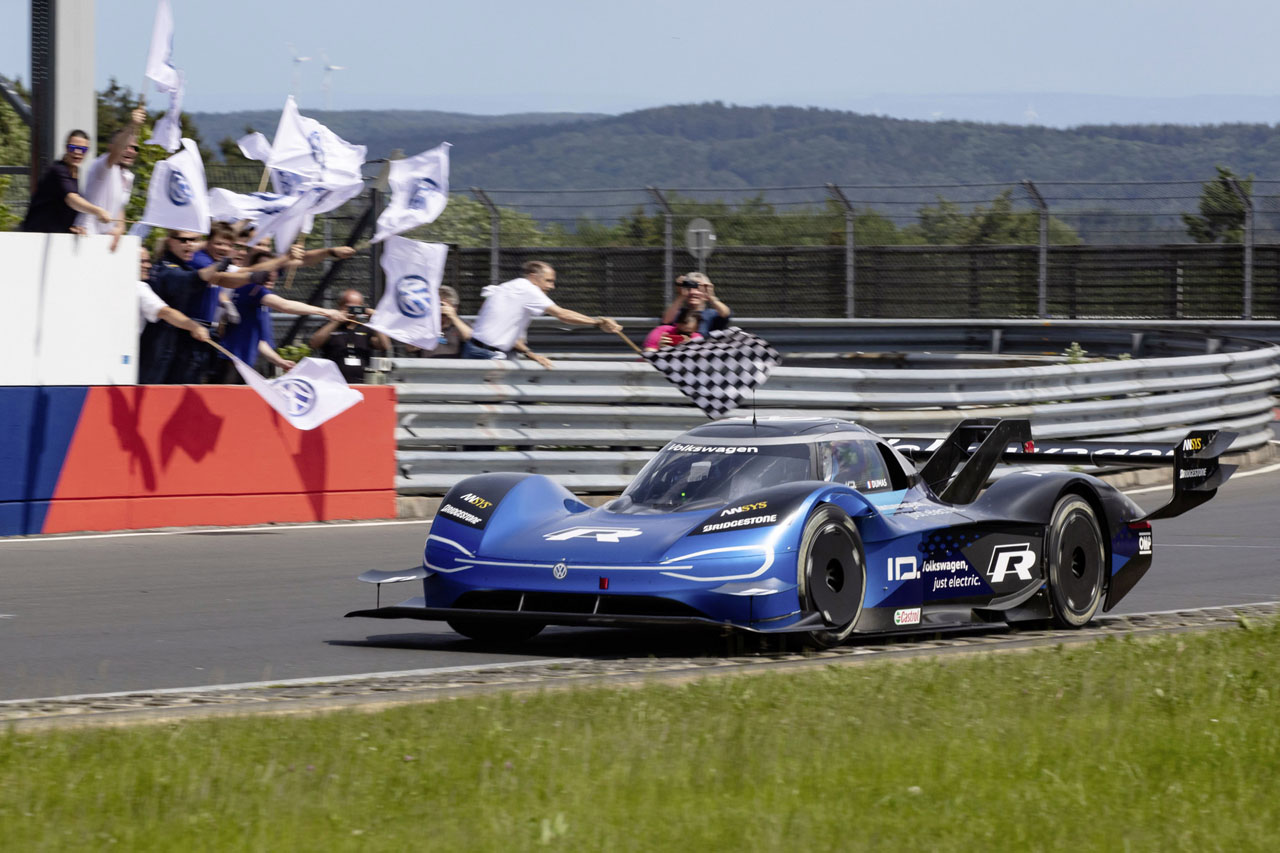 6:05.336 minutes ??Volkswagen ID.R sets new electric record on