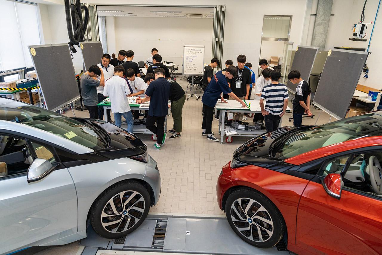 사진 - BMW 코리아 미래재단, 독일 뮌헨서 영 엔지니어 드림 프로젝트 6기 필드 트립 진행 (2)