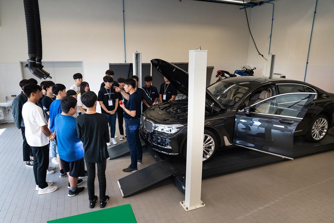 사진 - BMW 코리아 미래재단, 독일 뮌헨서 영 엔지니어 드림 프로젝트 6기 필드 트립 진행 (3)