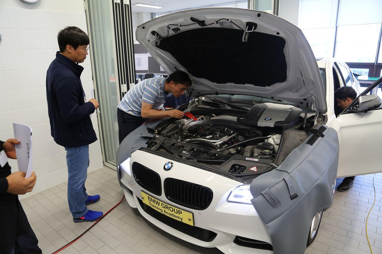 사진2-BMW 그룹 코리아 2019년 외부 수리업체 대상 기술 세미나 진행