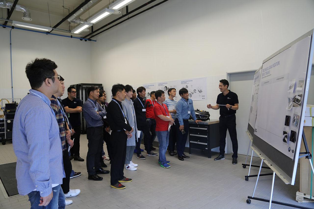 사진3-BMW 그룹 코리아 2019년 외부 수리업체 대상 기술 세미나 진행
