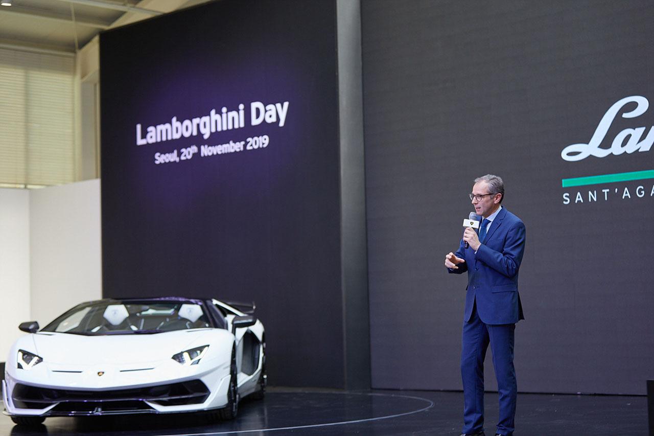 [참고사진] 스테파노 도메니칼리(Stefano Domenicali) 오토모빌리 람보르기니 회장 겸 CEO, 람보르기니 아벤타도르 SVJ 로드스터