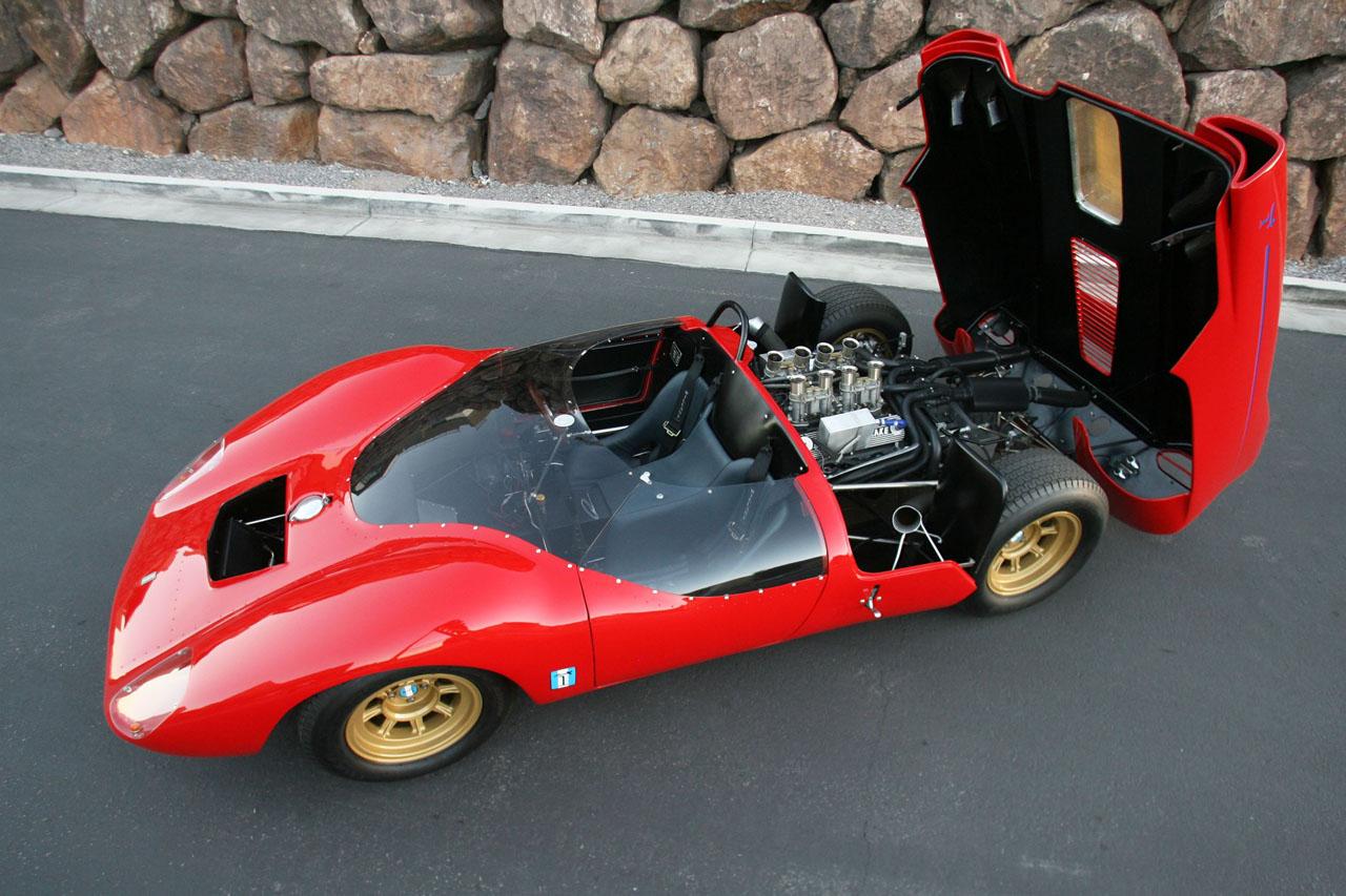 Shelby-DeTomaso-P70-rear-open