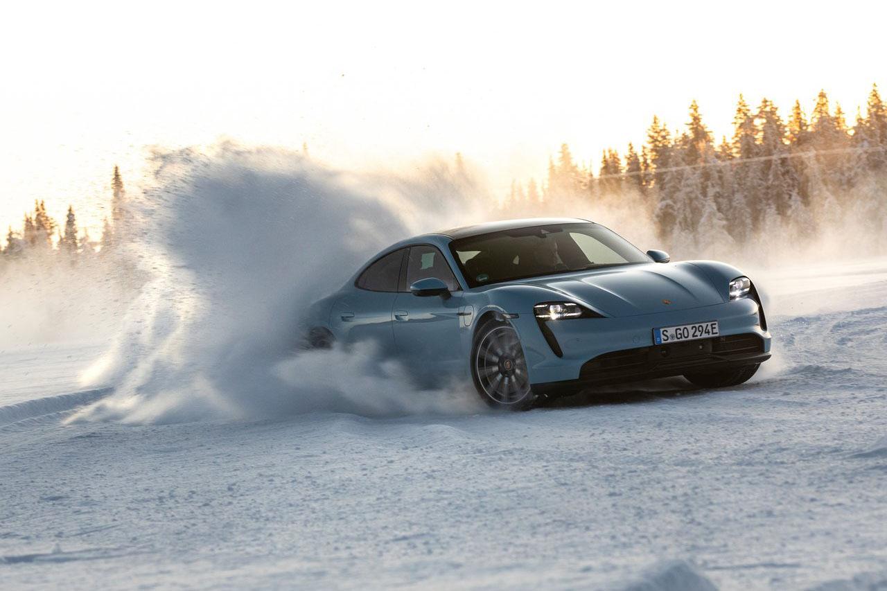Porsche-Taycan_4S-2020-1280-43