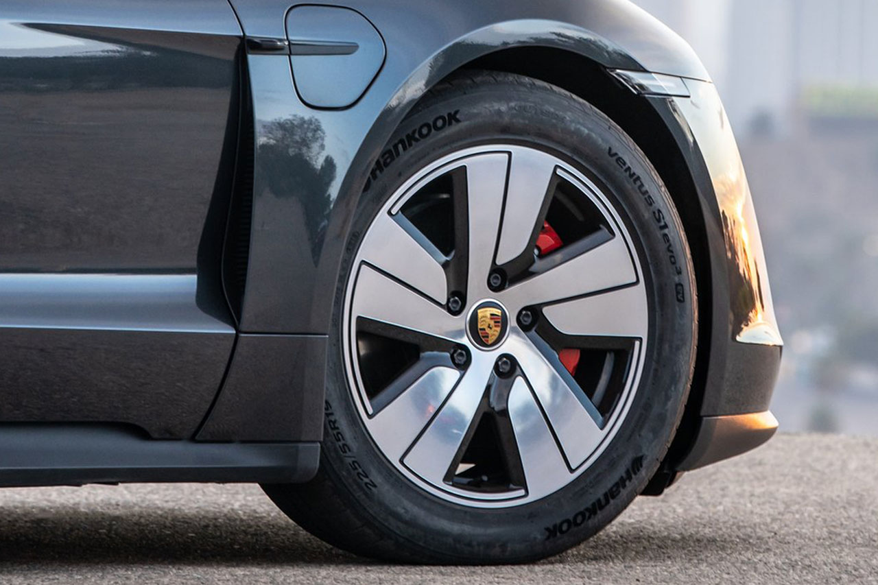 Porsche-Taycan_4S-2020-1280-e8