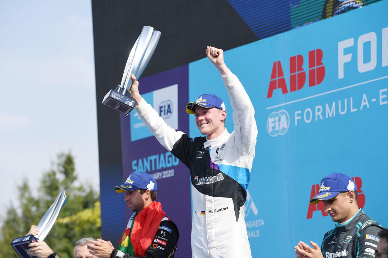 [참고사진] 포뮬러 E 3라운드, 산티아고 E-프리서 BMW 맥스 군터 우승 (2)