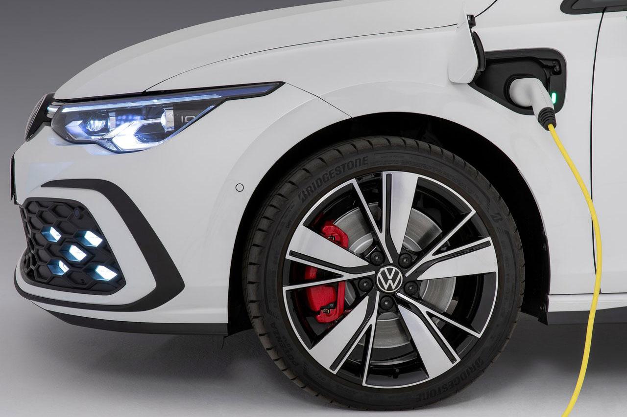 Volkswagen-Golf_GTE-2021-1280-0d