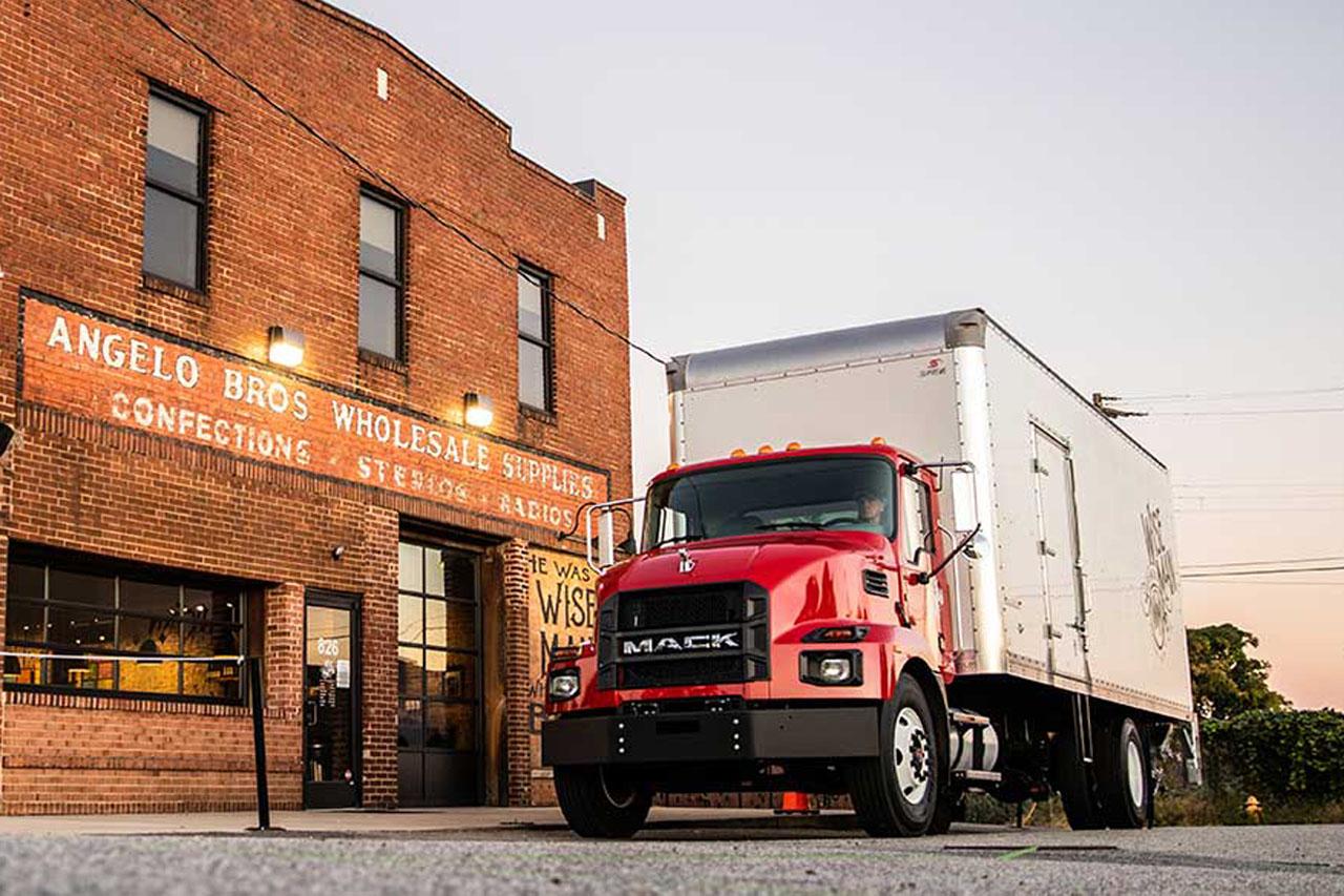 [사진자료1] 앨리슨 트랜스미션, 맥트럭의 신형 중형 트럭에 기본 변속기로 장착